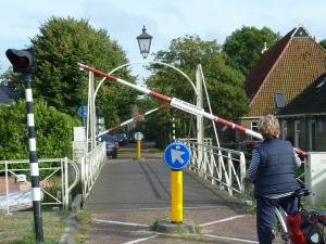 026 Drehbrücke vor Oppenhuizen